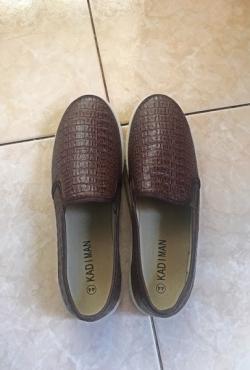 nauji vyriski batai